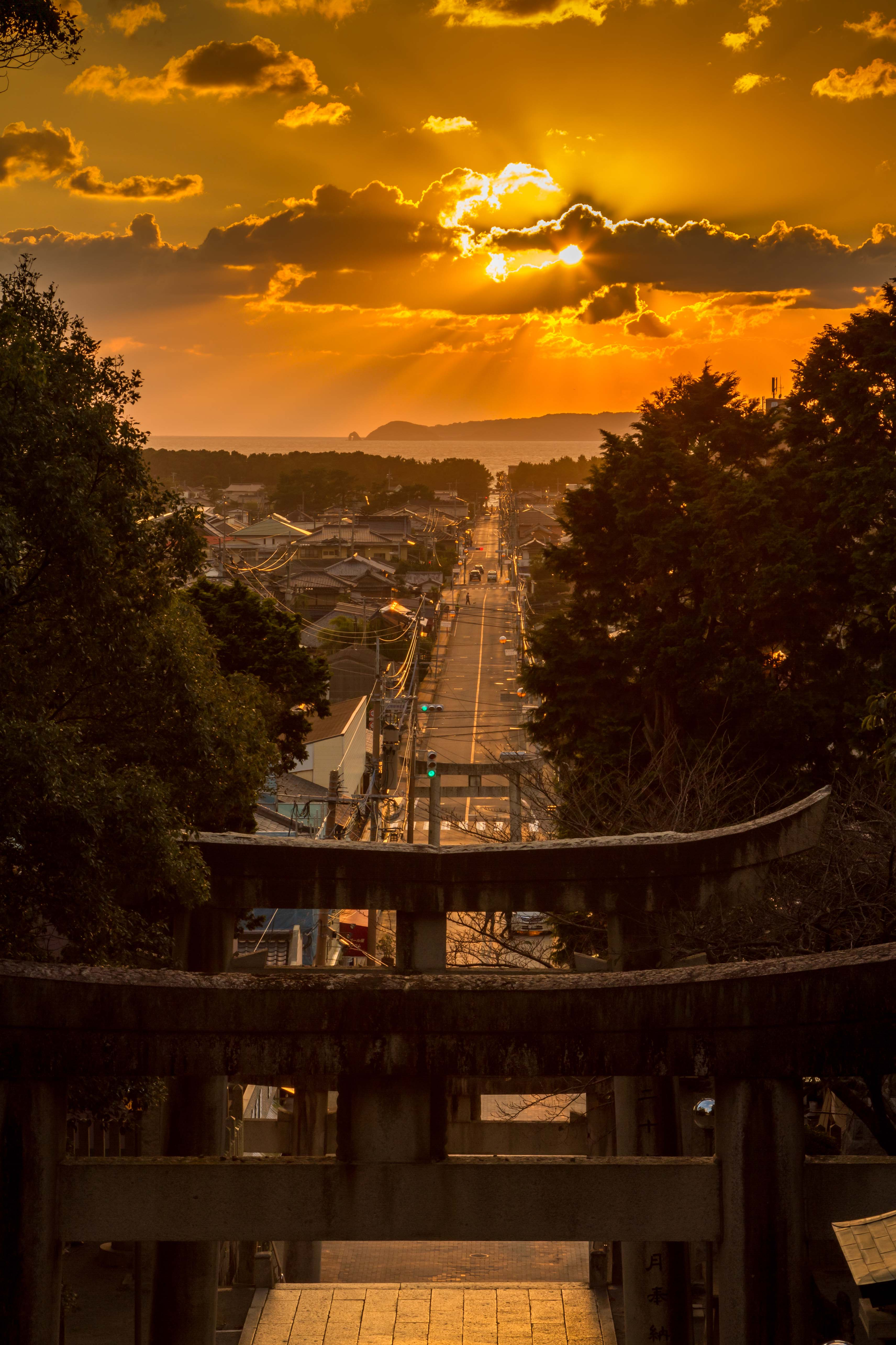 宮地嶽神社・光の道