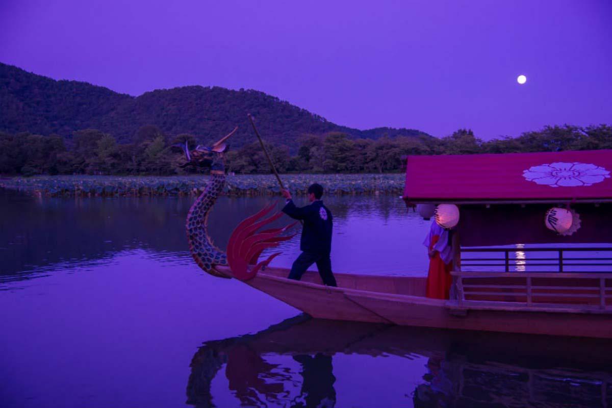 大覺寺観月船