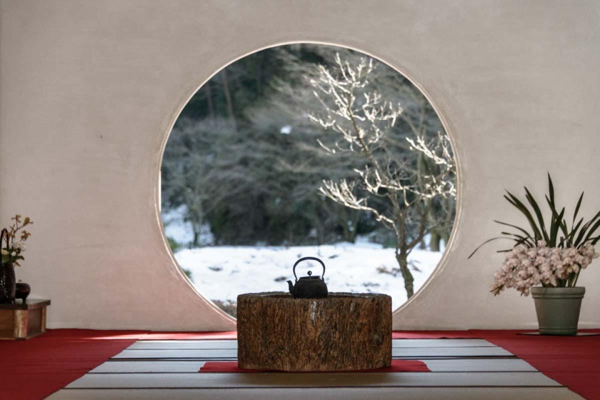明月院丸窗