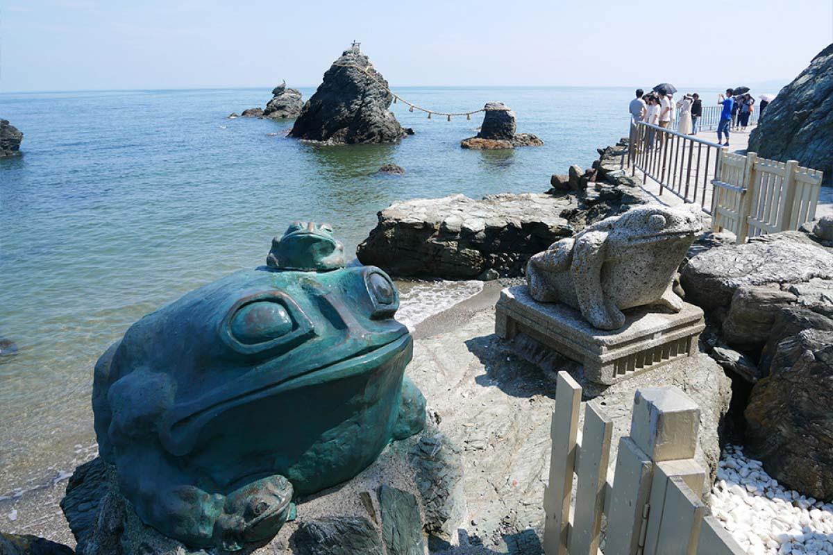 夫婦岩 (二見興玉神社)