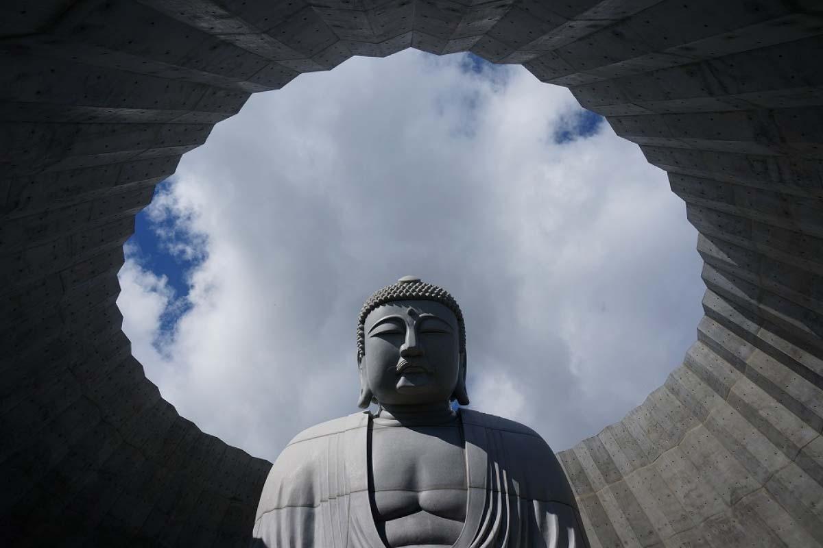 Hill of the Buddha, Makomanai Takino Cemetery