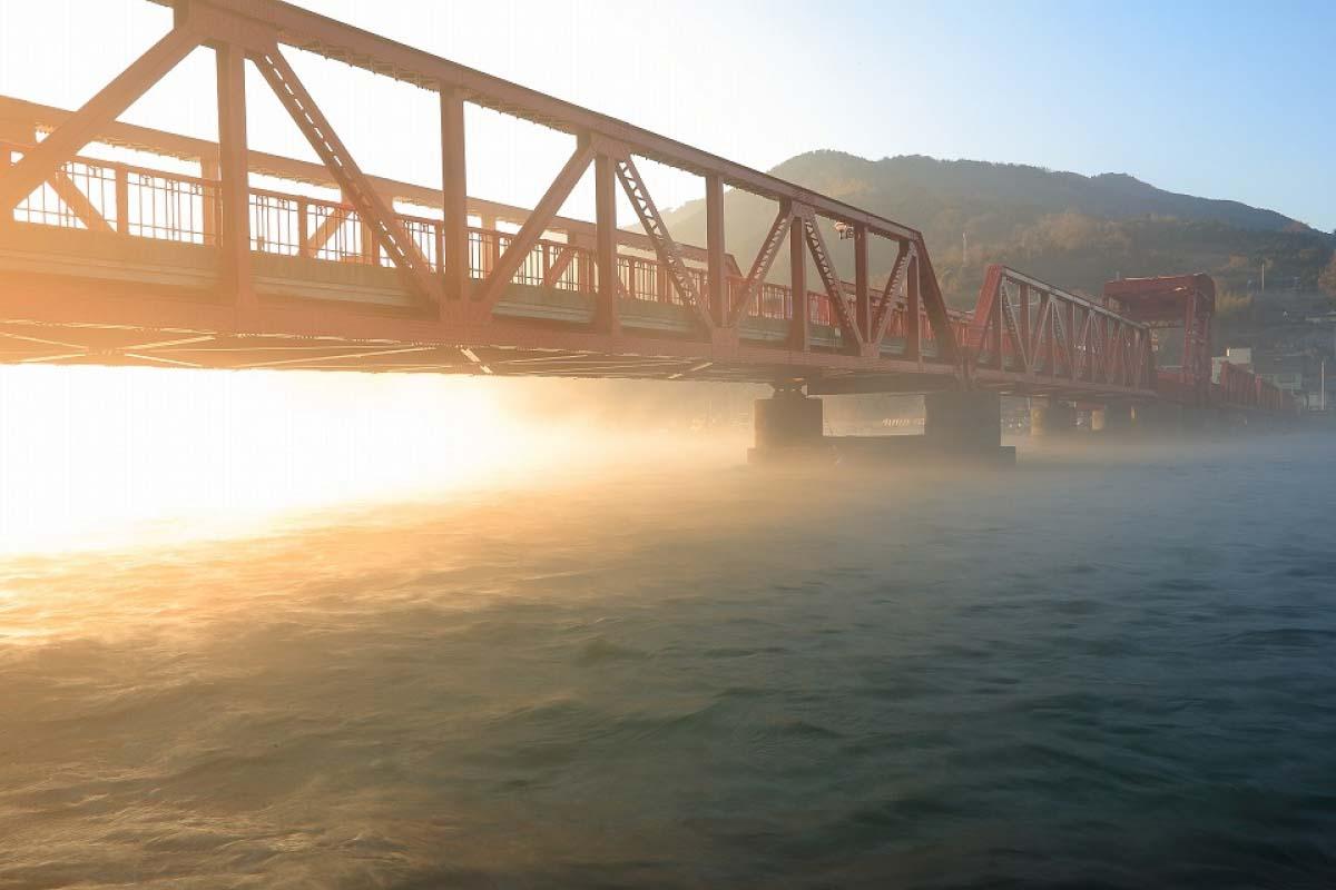 肱川あらし