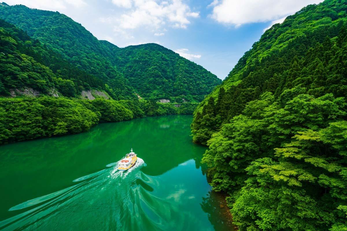 庄川峽湖上遊覧船富山