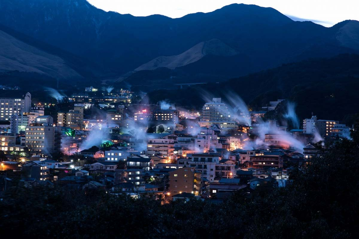 5 magnificent sceneries of steam rising from Beppu Onsen, Oita