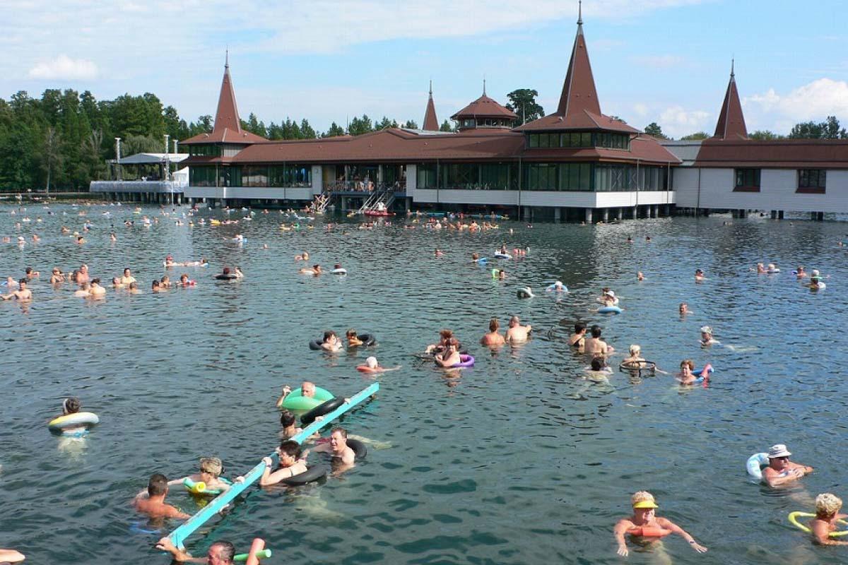 匈牙利 溫泉湖