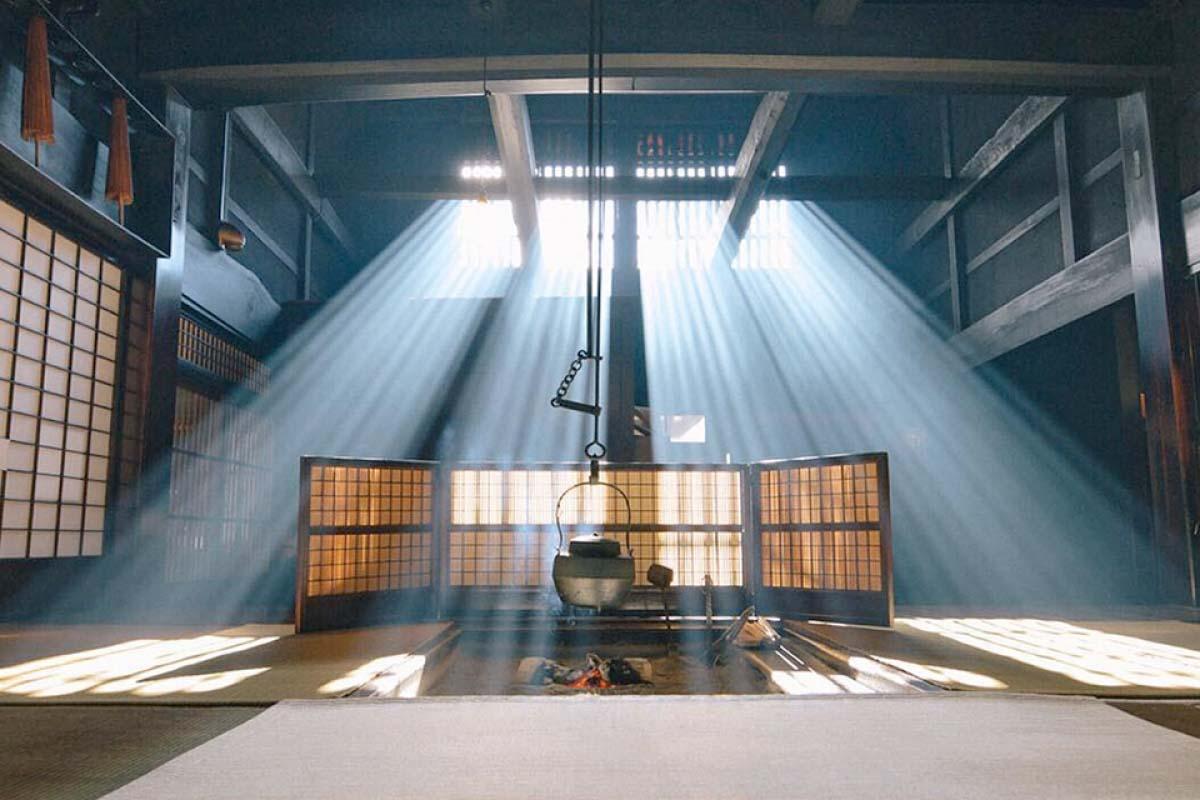 攝影愛好者必看!妻籠宿「脇本陣奧谷」的光芒美到令人屏息且極具話題性