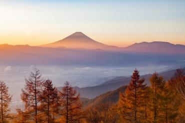 【東京近郊】把富士限定秋景色帶回家! 山梨秋季5大絕景