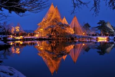 寒冬中施展光之魔法! 嚴選日本雪中浪漫點燈5大絕景