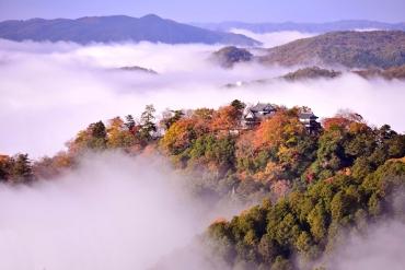 宛如真實版宮崎駿動畫「天空之城」!日本5大雲上震撼絕景