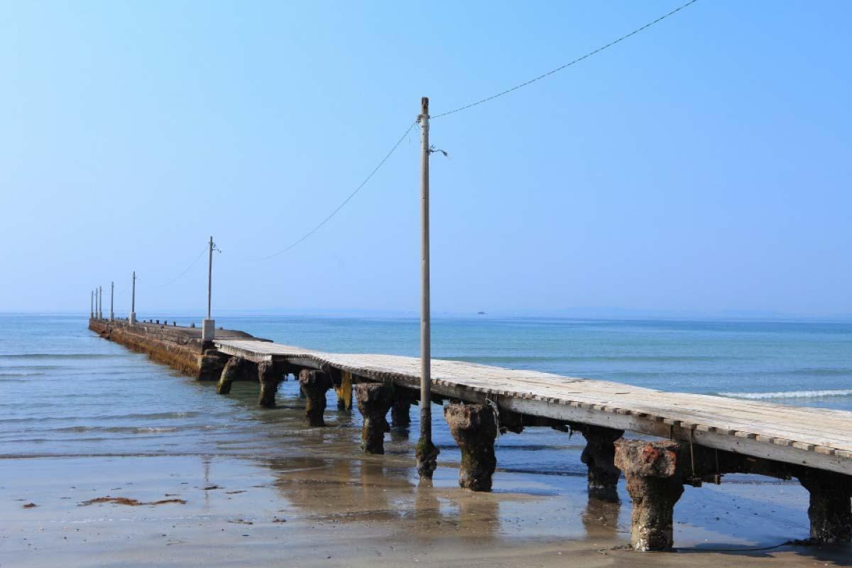 原岡海水浴場の原岡桟橋