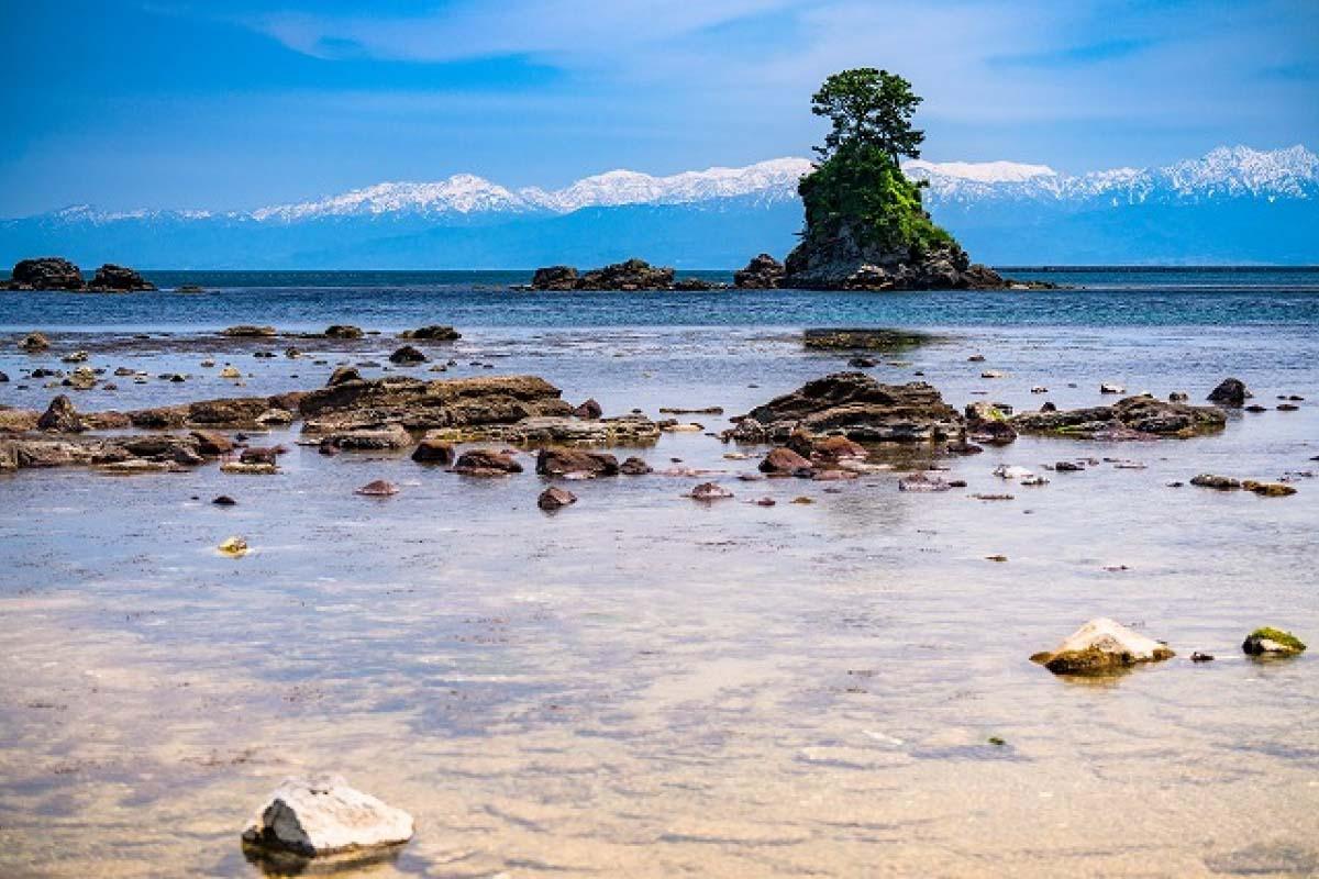Ameharashi Coast