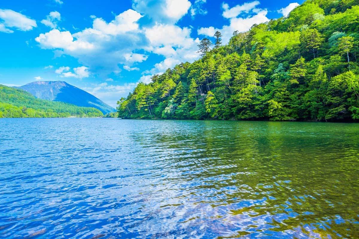 湯ノ湖と男体山の絶景|ZEKKEI J...