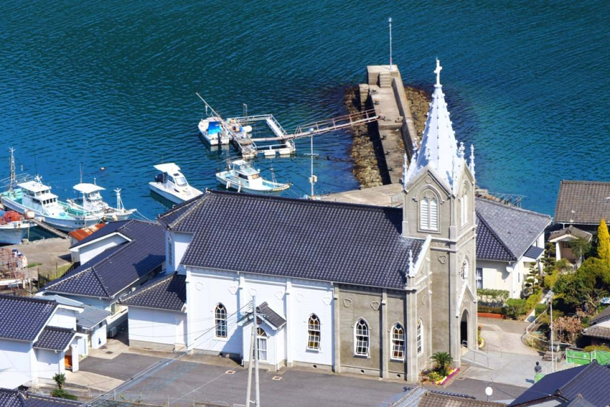 Kawaura Sakitsu Catholic Church and the Sea