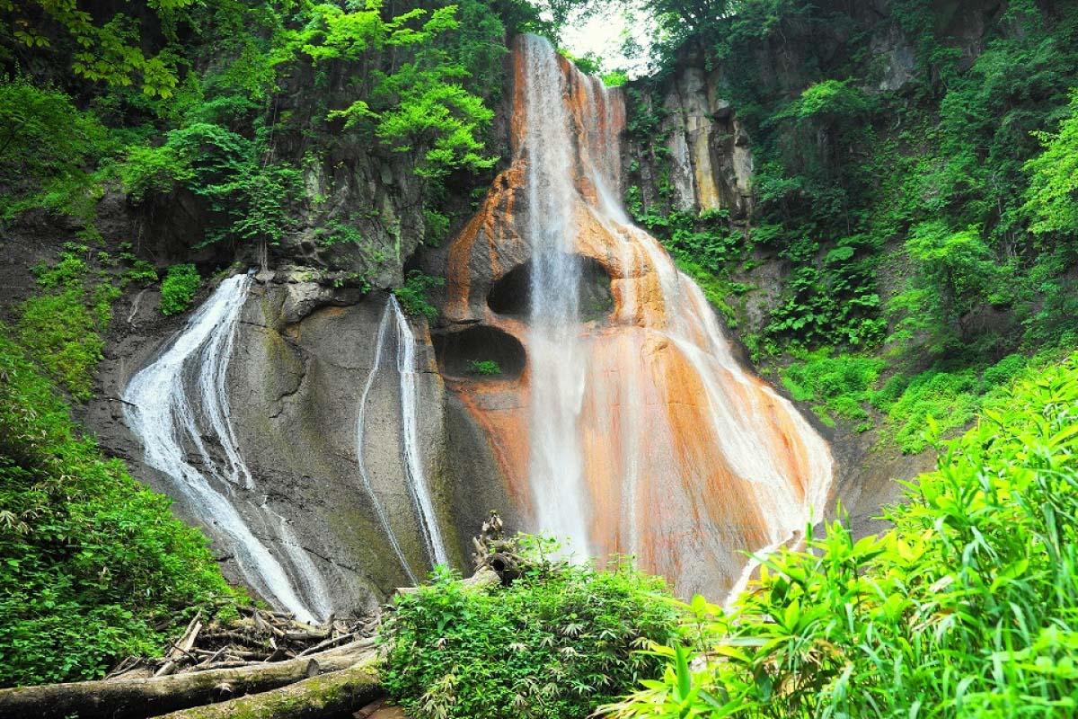 Osen-no-taki Falls