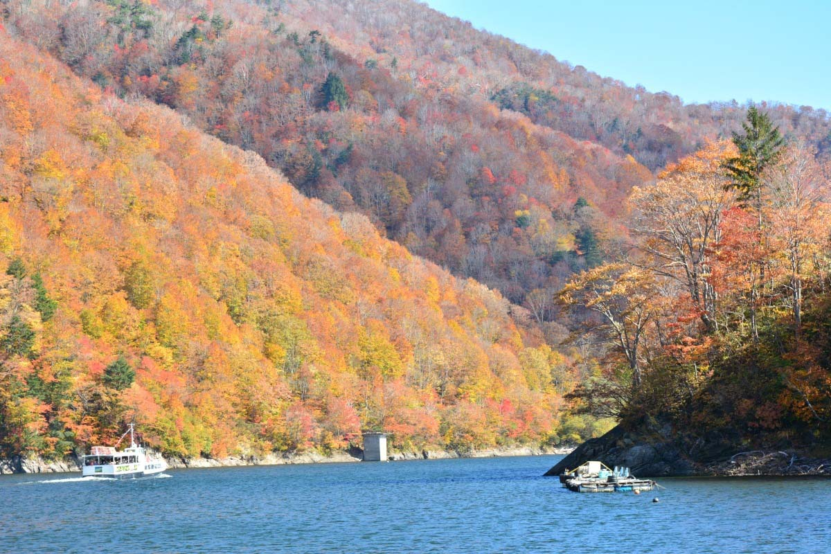 Lake Okutadami Pleasure Cruise
