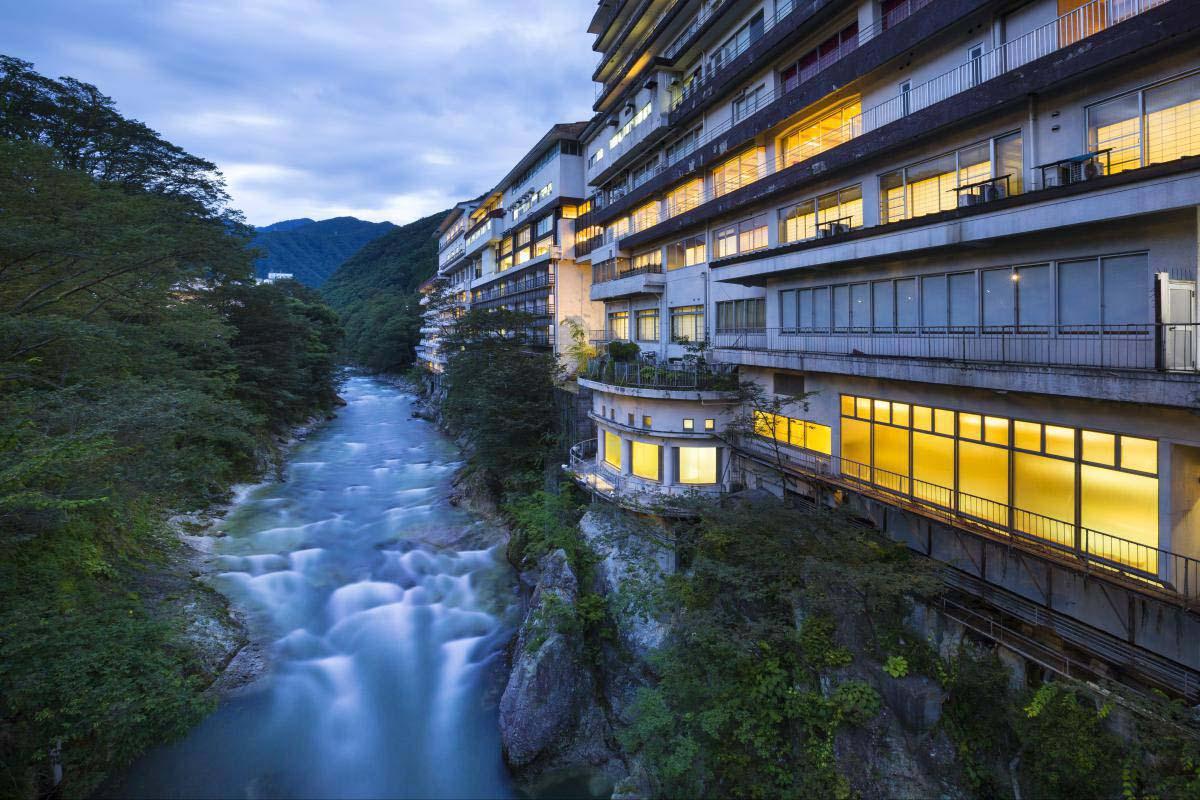 水上温泉の絶景|ZEKKEI Japan