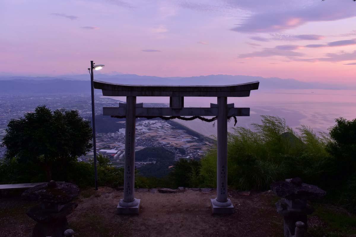 Ngôi đền Takaya Jinja