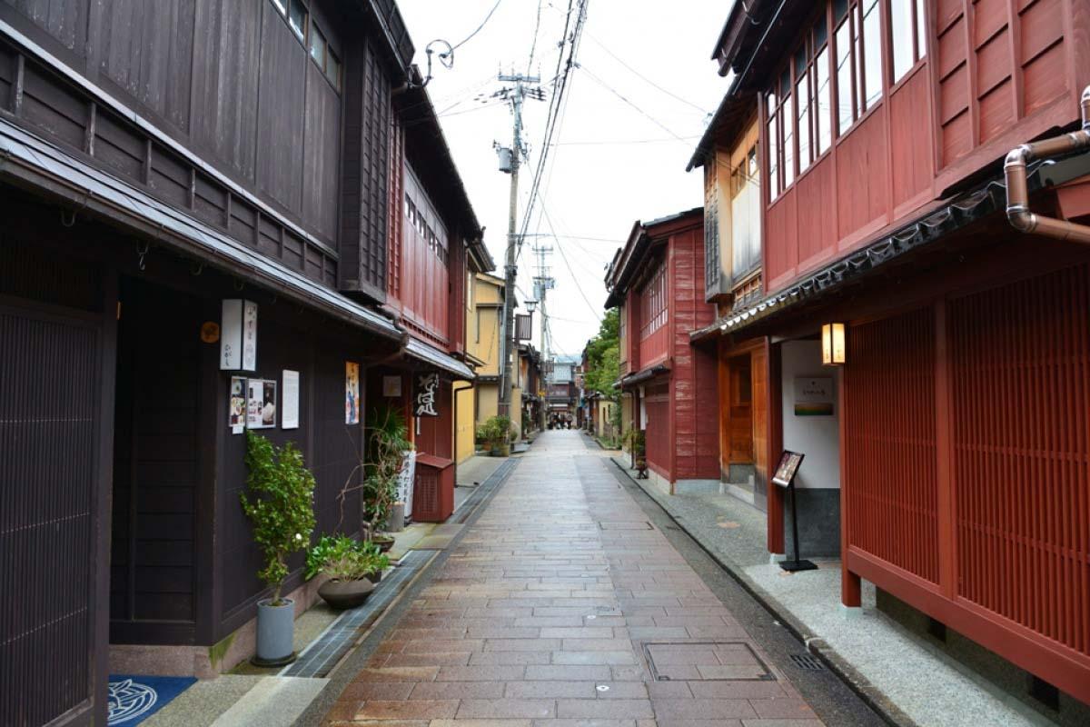Đường Higashi Chaya