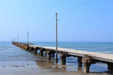 ဟာရအိုခပင္လယ္ေရကူးကမ္းစပ္ရဲ့ ဟာရအိုခတံတား(ခ်ိဘ)