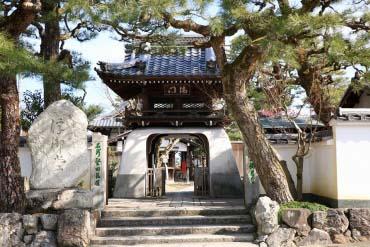 満月寺浮御堂(滋賀・琵琶湖)