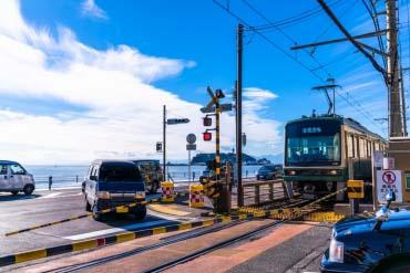 Enoden Railroad Crossing(Kamakura)