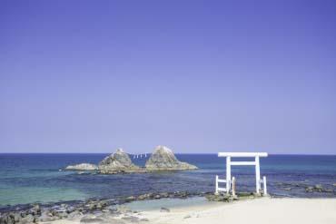 桜井二見ヶ浦の夫婦岩(福岡・博多)