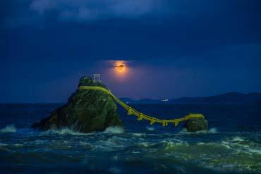 Meoto-iwa (Married Couple Rocks)(Mie)