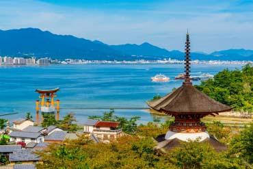 Itsukushima Shrine(Hiroshima & Miyajima)