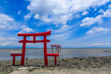 The Floating Torii Gate of Ouo Shrine