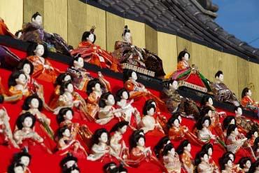 胜浦大型女儿节(千叶)