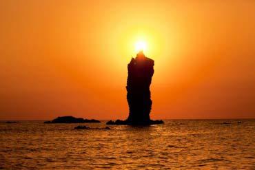 Rosoku-jima (Candle Island)