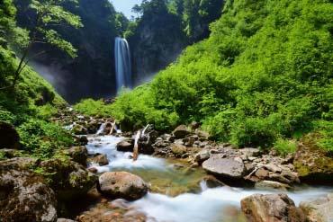 Thác nước lớn Hirayu Otori