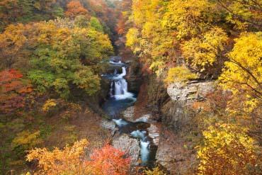 Homei Shijuhachi-taki Falls(Miyagi)
